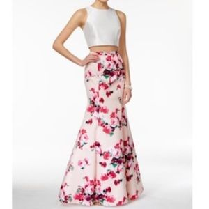 Two-piece satin gown with floral skirt 💝